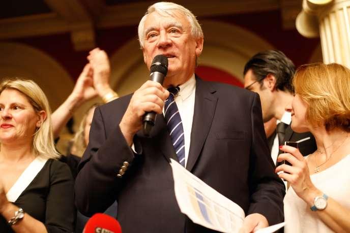 Claude Goasguen annonce sa victoire dans la 14e circonscription, dans le XVIe arrondissement àParis le 18 juin.