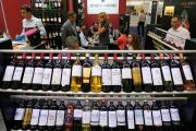 Une dégustation de vin au salon Vinexpo de Bordeaux, en juin 2019.