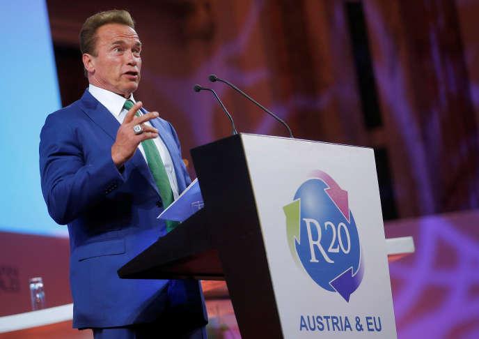 L'ancien gouverneur de la Californie Arnold Schwarzenegger, lors de l'Austrian World Summit, à Vienne, le 20juin2017.