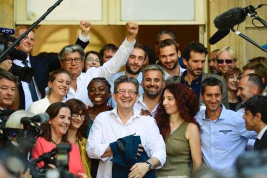Jean-Luc Mélenchon et les députés de La France insoumise, mardi 20 juin, à l'Assemblée nationale.