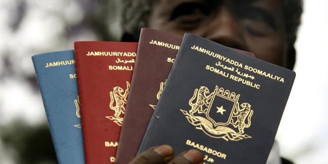 Pour répondre aux standards internationaux, la Somalie a lancé en novembre 2006 quatre nouveaux passeports.