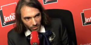Député de la République en marche, Cédric Villani n'a pas tardé à répondre aux moqueries de Jean-Luc Mélenchon, qui l'accuse de ne pas connaître le droit du travail.
