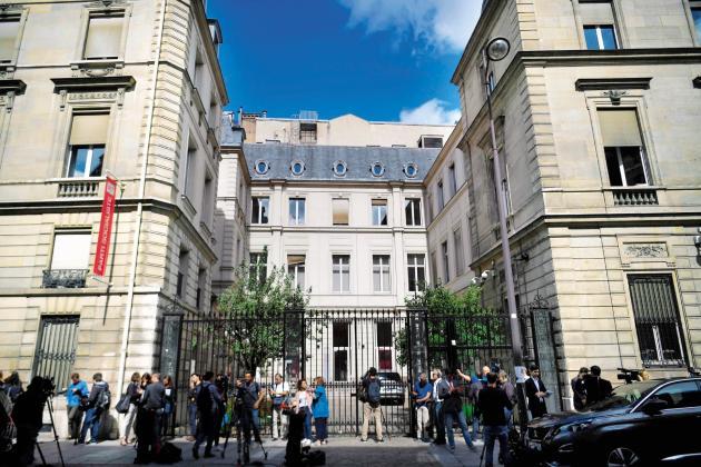 Le Parti socialiste occupe le 10, rue de Solférino depuis 1980. La ventede l'hôtel particulierest l'une des solutions envisagées pour amortir le choc des législatives.