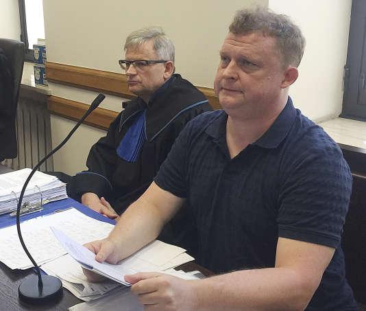 Tomasz Piatek,journaliste pour la «Gazeta Wyborcza», au tribunal de Varsovie, le 21 juin.