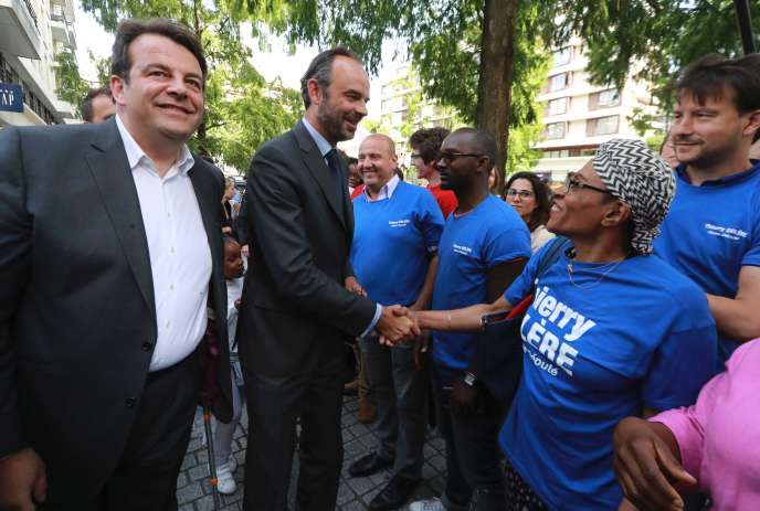 Le premier ministre, Edouard Philippe, venu soutenir la campagne de Thierry Solère (LR) à Boulogne-Billancourt (Hauts-de-Seine), le 5 juin.