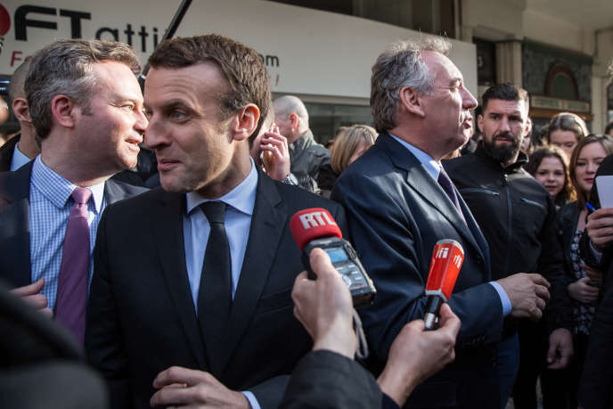 Emmanuel Macron et François Bayrou à Reims, le 17 mars.