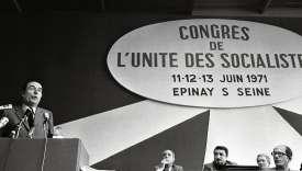 François Mitterrand, le 13 juin 1971,à la tribune du congrès d'Épinay.