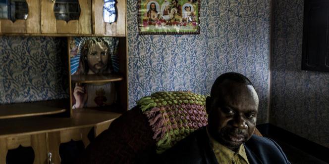 Badylon Kawanda est le rédacteur en chef d'une radio diocésaineà Kikwit, en République démocratique du Congo (RDC).