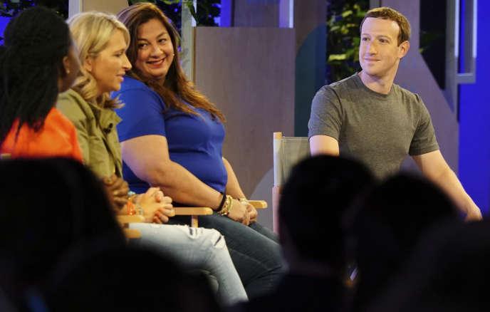Le PDG de Facebook, Mark Zuckerberg, au Sommet des groupes Facebook, jeudi 22 juin à Chicago.