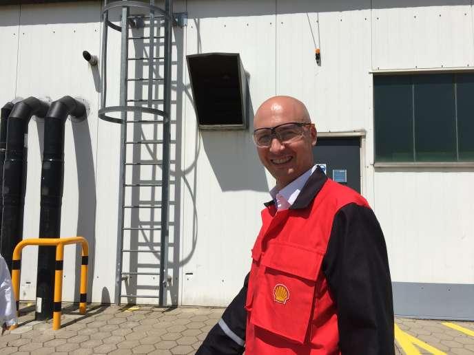 Benoît Poulet, mercredi 21 juin, sur le site technologique Shell de Hambourg (Allemangne).