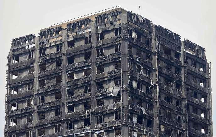 Au moins 79 personnes sont mortes dans l'incendie de la tour Grenfell à Londres.