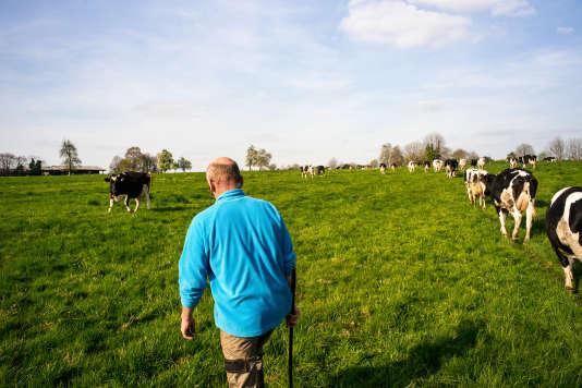 A Mantilly (Orne), le 11 avril 2017. Laurent Bézier, éleveur et producteur laitier.