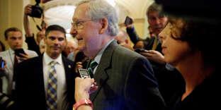 « Il est temps d'agir car Obamacare est une attaque contre la classe moyenne, et les familles américaines méritent mieux que l'échec du statu quo », a déclaré le chef de la majorité sénatoriale, Mitch McConnell.