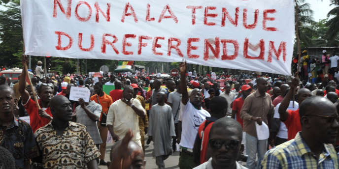 La manifestation à Bamako, le 17 juin 2017, contre la révision de la Constitution malienne et la tenue du référendum a réuni plusieurs milliers de personnes.
