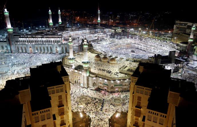 Vue générale de la Kaaba, à la Grande Mosquée de La Mecque, en Arabie saoudite.