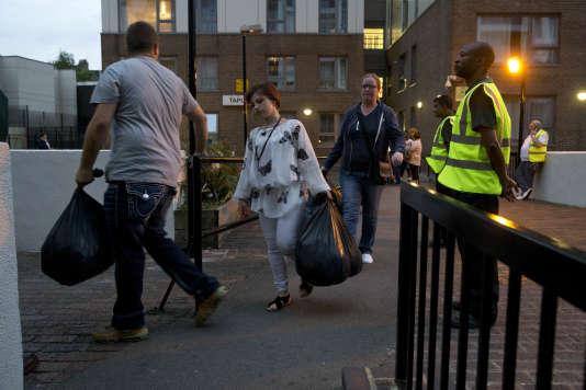 A Londres, cinq tours à risque d'incendie évacuées en urgence