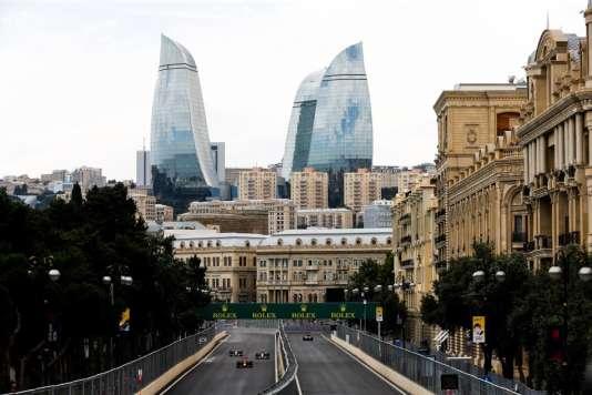 Bakou accueille pour la deuxième fois une étape du championnat du monde de formule 1 dimanche 25 juin 2017 sur son circuit urbain.