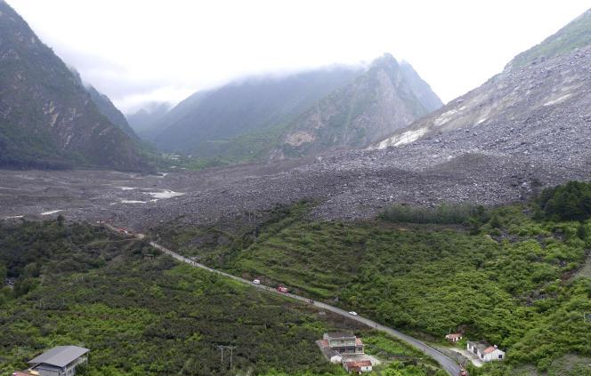 Le village de Xinmo a entièrement disparu sous les roches.