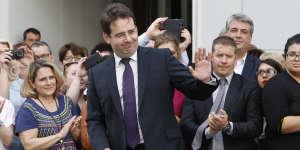 Matthias Fekl, lors de la passation des pouvoirs avec Gérard Coolomb, au ministère de l'intérieur, le 17 mai.