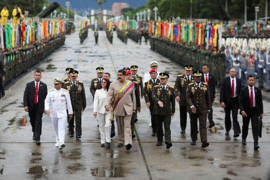 Nicolas Maduro était à Carabobo, samedi 24 juin, où l'armée lui a réitéré son soutien.