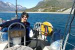 Isabelle Autissier sur son voilier au Groenland, été 2016