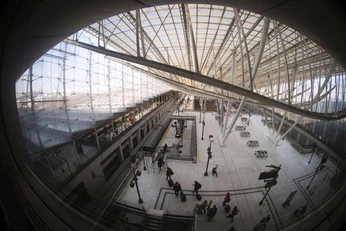 La ligne longue de 32 km prévoit de relier la gare de l'Est au terminal 2 de l'aéroport Paris-Charles-de-Gaulle en vingt minutes.