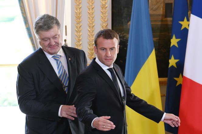 « La France est attachée à la souveraineté de l'Ukraine dans ses frontières reconnues », a déclaré le président Emmanuel Macron.