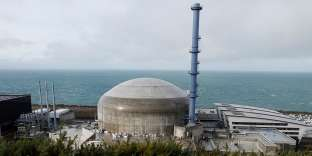 (FILES) This file photo taken on November 16, 2016 in Flamanville, northwestern France shows the European Pressurised Reactor project (EPR) facing the sea at its construction site. A group of experts meet for two days at the Nuclear Safety Authority (ASN, Autorite de surete nucleaire) near Paris to give its conclusion on the European Pressurised Reactor project (EPR) nuclear reactor's tank, AFP reported on June 26, 2017. The shutdown of the EPR's number 1 nuclear reactor has been extended until June 11, 2017, following an accident in February. / AFP / CHARLY TRIBALLEAU