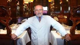 Alain Senderens, au restaurant Lucas Carton, à Paris, le 27 septembre 2002.