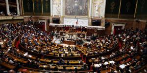 Depuis 2013, députés et sénateurs sont tenus de remplir des déclarations d'intérêts et de patrimoineen début de mandat.