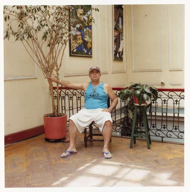 Julio Franco vit à Cali. Depuis vingt ans, il séjourne à l'hôtel Dorantes une à deux fois par an, le temps de revendre ses émeraudes aux touristes.