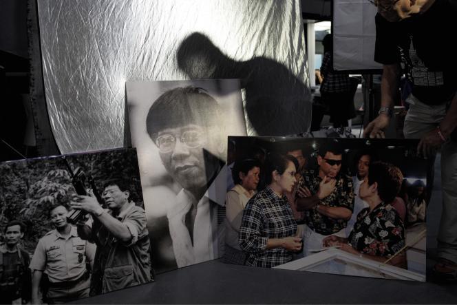 Le photographe Rene Lumawag montreses clichés du président. Ilsuit Rodrigo Duterte depuis 1988.