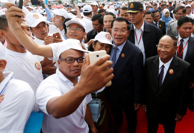 Hun Sen, le 28 juin sur l'île de Koh Pich, à Phnom Penh, pour l'anniversaire du Parti du peuple cambodgien.