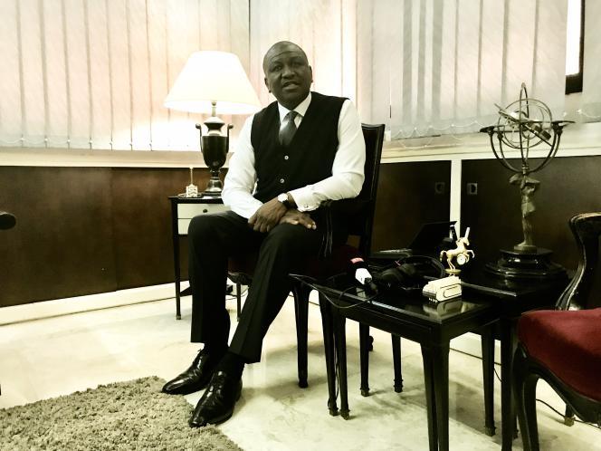 Hamed Bakayoko, ministre ivoirien de l'intérieur, dans son bureau à Abidjan, le 26 avril 2017.