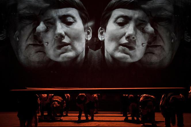 « Grensgeval (Borderline)», mise en scène de Guy Cassiers, d'après un texte d'Elfriede Jelinek.