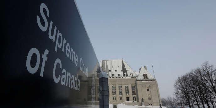 «La multinationale Google peut se voir ordonner de désindexer l'ensemble des sites Internet du contrefacteur, et ce, sur une base mondiale(incluant google.com)» (Photo: la Cour suprême du Canada à Ottawa, en 2015).