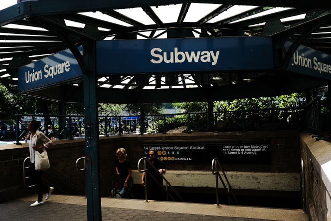 Frauder le métro peut aujourd'hui valoir jusqu'à un an de prison et 1 000 dollars d'amende, selon le code pénal de l'Etat de New York. Spencer Platt/Getty Images/AFP