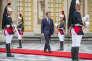 Emmanuel Macron, président de la république, reçoit Vladimir Poutine au château de Versailles, lundi 29 mai.