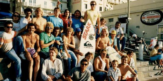 « Si le surf français en est là, c'est qu'il y a eu… une bande de barges. A la Grande Plage» Patrick Flores, Sélectionneur de l'équipe de France de surf.