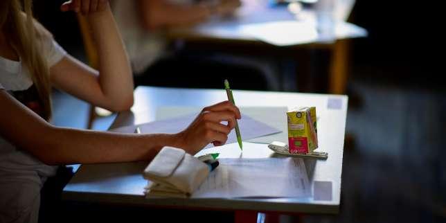 Examen dans un établissement scolaire à Paris, en juin.