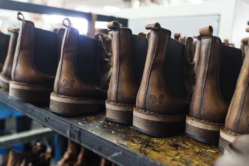 Les chaussures Felmini sont exportées vers 35 pays et commercialisées en magasin à partir d'une centaine d'euros. Soit plus cher que le prix pratiqués par les groupes européens auxquels la PME portugaise vendait autrefois ses modèles.