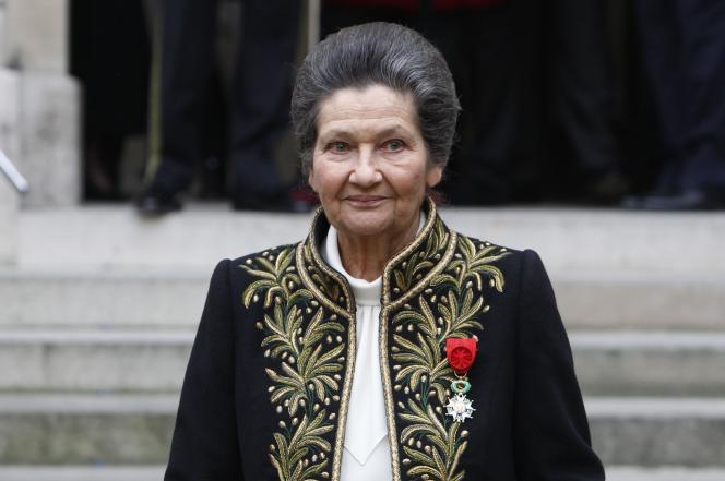 Simone Veil, lors de son entrée à l'Académie française, le 18 mars 2010, à Paris.