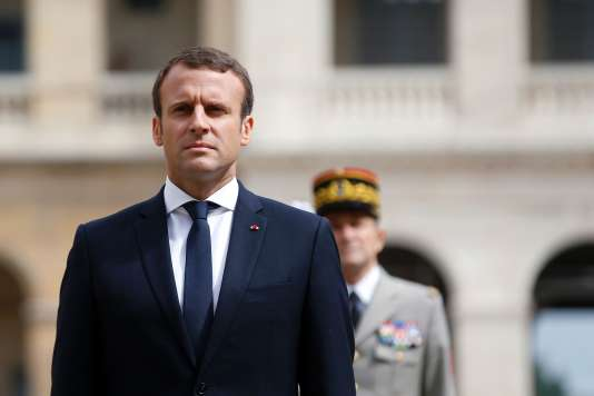 Le président français Emmanuel Macron aux Invalides, à Paris, le 30 juin.