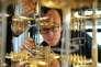Le cryostat d'IBM, qui permet de refroidir des circuits électroniques à –270°C.IBM Research/CC BY-ND 2.0Puce IBM de 16 qubits.IBM Research/CC BY-ND 2.0Puce Google de 22 qubits.Google, Erik Lucero