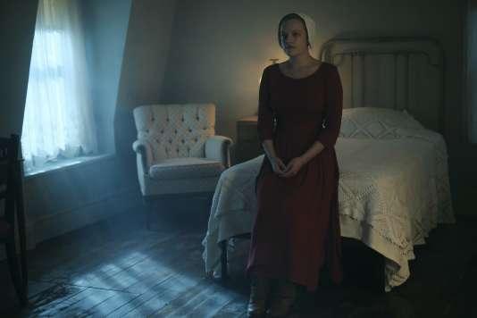 Elisabeth Moss dans la série«La Servante écarlate», saison 1.