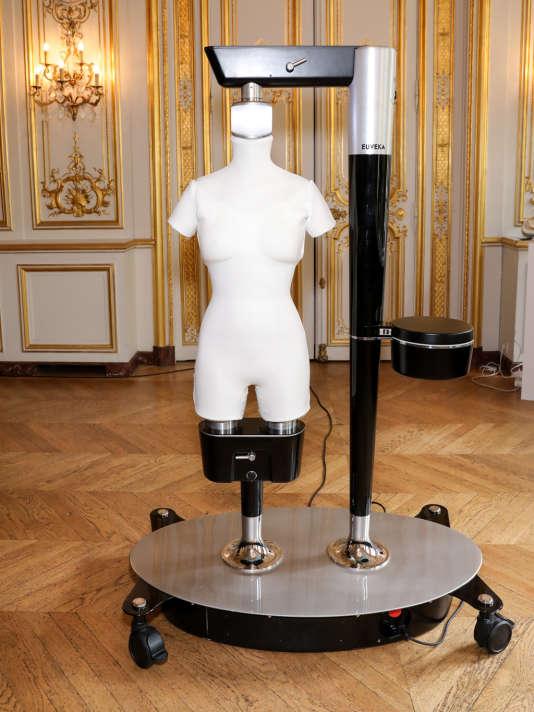 Le mannequin-robot d'Audrey-Laure Bergenthal est,capable en moins d'une minute de se mettre à la taille exacte d'une personne.