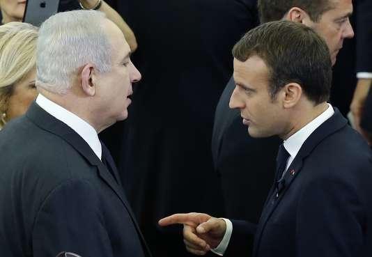 Emmanuel Macron et Benyamin Nétanyahou à la cérémonie d'hommage d'Helmut Kohl, le 1er juillet au Parlement de Strasbourg.