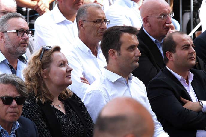 Sophie Montel aux côtés de Florian Philippot, écoutant le discours de Marine le Pen à Brachay (Haute-Marne), le 3 septembre 2016.