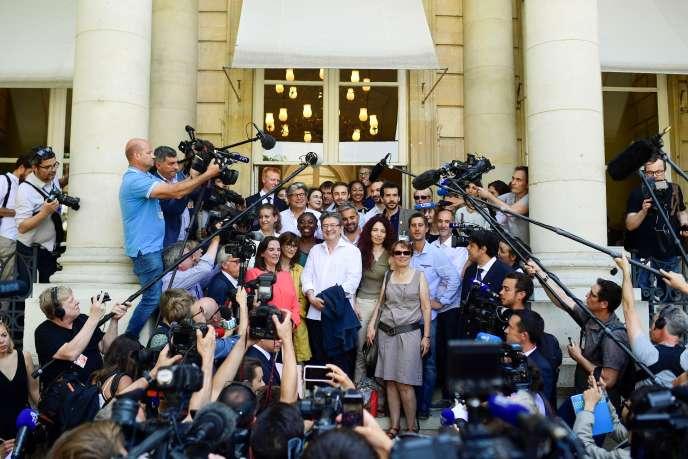 Les députés du groupe La France insoumise (LFI) à leur arrivée au Palais-Bourbon, le 20 juin.