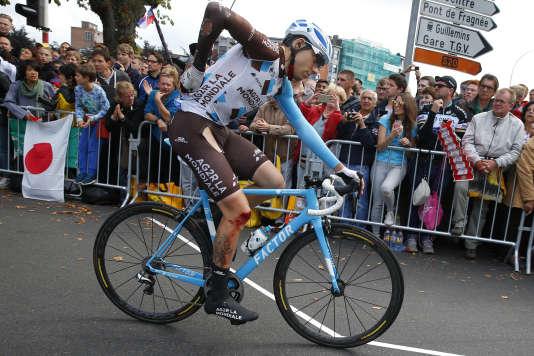 Axel Domont, lui aussi formé au CCF, franchit la ligne d'arrivée de la deuxième étape du Tour de France à Liège (Belgique), le 2 juillet. (AP Photo/Peter Dejong)